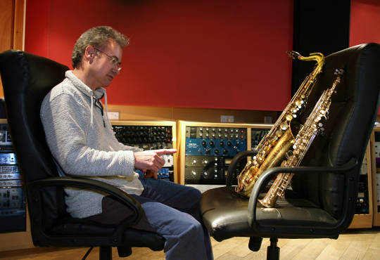 Pete Thomas Taming two saxophones